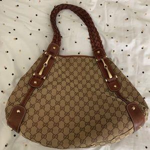 Classic Gucci Shoulder bag